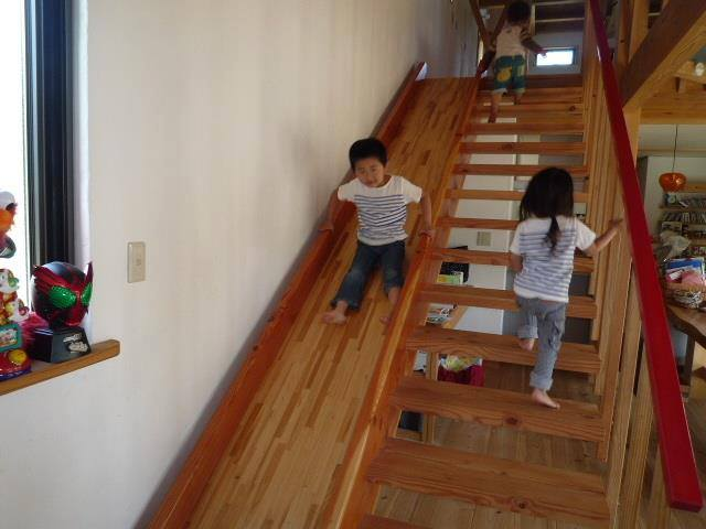 stairs-slide-woodwork-plans